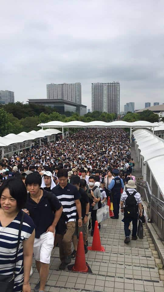 Queuing before 12 pm at the Comiket